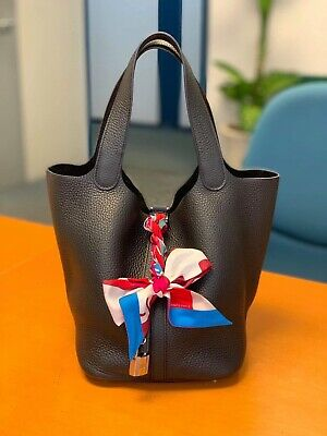 HERMES Picotin Lock 22 MM Tote Handbag Noir Black Taurillon Clemence Leather