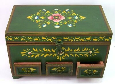 Old Fashioned Hand Painted Indian Make Up Box Multi-Compartments. i71-197 AU
