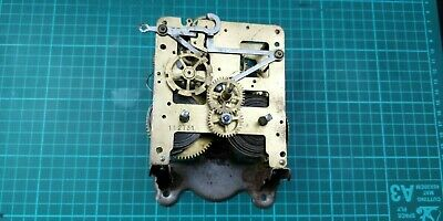 Antique Brass Windup Clock Movement 27/131