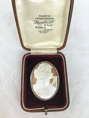 Exquisite Antique Carved Shell CAMEO Brooch Sterling Silver Mount Lovely Detail.