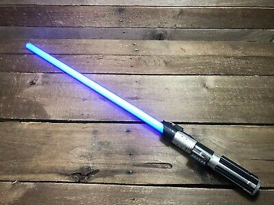 Star Wars 2010 Hasbro Ultimate FX Lightsaber #A4571 C-2945A  Red and Blue