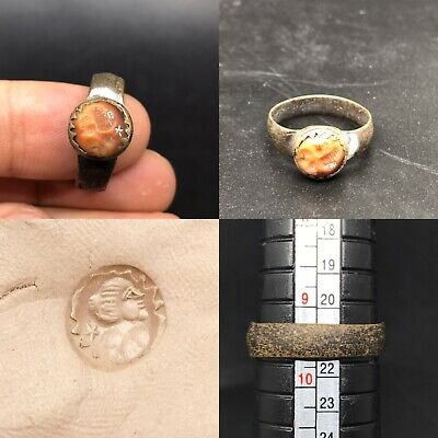 ANCIENT PRETORIAN ROMAN RING beautiful  old  BRONZE with Agate  KING FACE 2-3AD