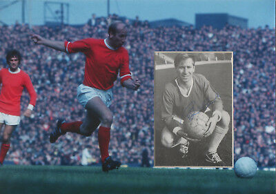 BOBBY CHARLTON Signed 12X8 Photo Display MANCHESTER UTD & WORLD CUP Legend COA
