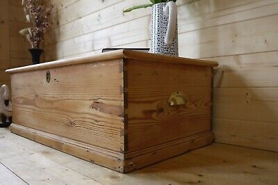 Farmhouse rustic solid waxed old pine wooden chest trunk toy box coffee table