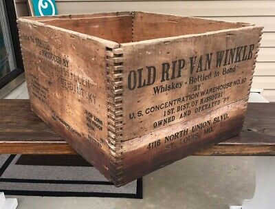 Vintage 1930s OLD RIP VAN WINKLE Whiskey Wood Shipping Crate St Louis RARE