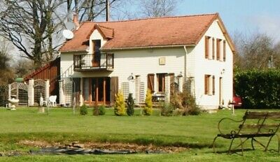 RECENTLY RENOVATED 3-4 BED COUNTRY HOUSE OF 157m2 LIVING SPACE  AND 5962m2 LAND