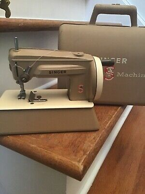 Vintage Child's Toy Sewing Machine Singer with Carry Case Made in Great Britian