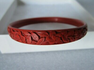 Beautiful Original Antique Chinese Hand Carved Cinnabar Lacquer Bracelet