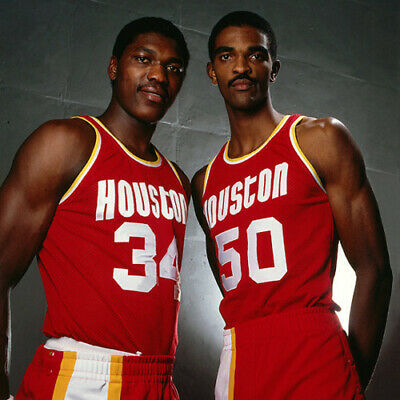 Hakeem Olajuwon And Ralph Sampson Twin Towers 8x10 Picture Celebrity Print