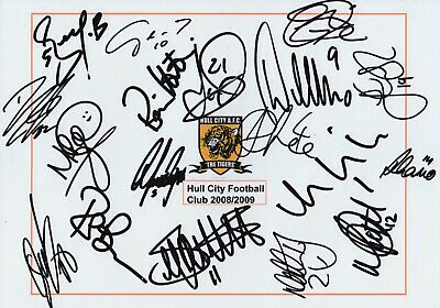 Hull City FC Squad Signed Team Photo - 18 Autographs - 08/09.