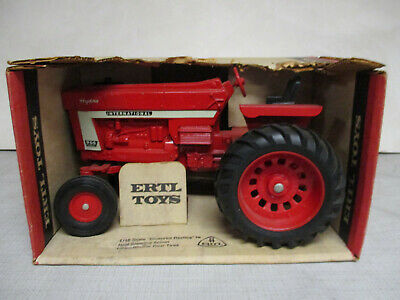 (1972) International Harvester Model 966 Toy Tractor, 1/16 Scale, NIB