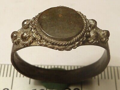 6254	Byzantine bronze ring with a black glass and filigree 22мм