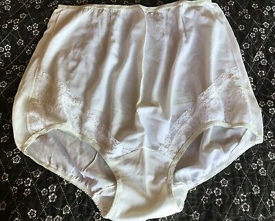 Vtg Plymouth White w Lace Accents Acetate Granny Panties Wide Gusset 10x NOS