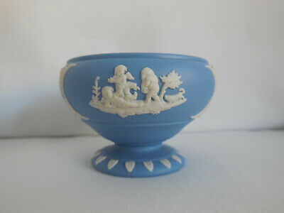 1954 Wedgwood Blue Jasper Jasperware Pedestal Bowl Shaped Open Salt