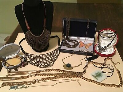 Lovely mix Job Lot of Gold Tone & Mix Metal Vintage & Modern Costume Jewellery