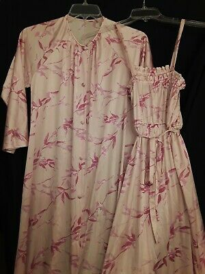 Vtg Vanity Fair Peignor  & Gown Set,Pink With Flower Design, Small,70' 80's?