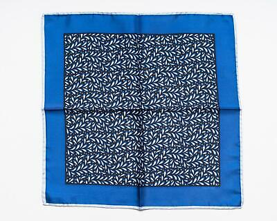 Tom Ford New Blue White Floral Pattern 100% Silk Pocket Square 40cm