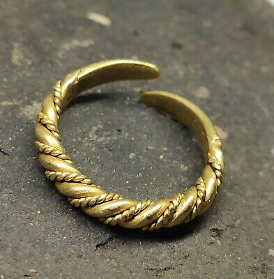 Golden ring Vikings made twisted 9-12 centuries