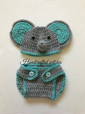 Ravelry: Ellie The Elephant Baby Booties pattern by Olivia Kent | 400x300