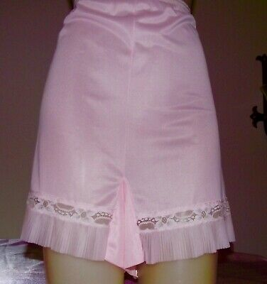 Vintage Penneys Gaymode Baby Pink Nylon Panties Size 44 Crystal Pleats Exc Cond