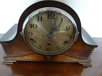 An Oak Cased Norland Westminster Chiming Mantel Clock, Good working order. 1934
