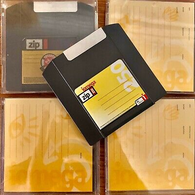 4 x 250MB (Probably) Iomega Zip Disks With Case - Zip Drive Or Roland SP-808 EX