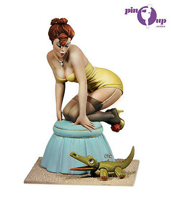 ANDREA MINIATURES 80MM Pin Up Series Black Doggie RED BOX