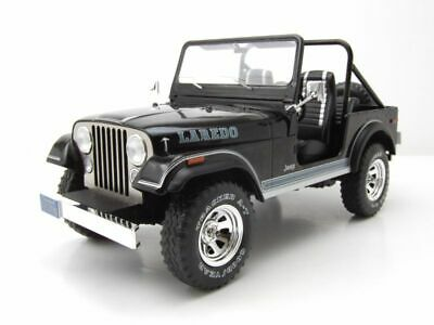Jeep CJ-7 Laredo 1980  schwarz   1:18 MCG 18108  *NEW**