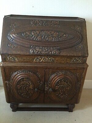 Antique Carved Oak Bureau With Drawers
