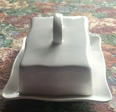 Vintage Large White  BUTTER / CHEESE DISH with lid