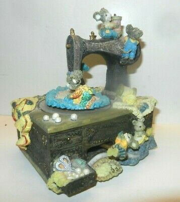 """Music box Sewing machine with Mice playing """"MEMORY"""" CATS Andrew Lloyd Weber"""