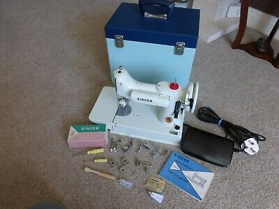 Singer 221K7 Featherweight Sewing Machine Fully serviced/Rewired and PAT tested