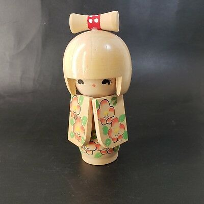 "Wooden  Kokeshi Doll Japanese traditional crafts unsigned 5"" Flowers"