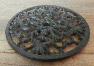 Round Trivet Cast iron ornate Kitchen Cookware Pot stand