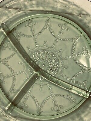 Antique Green DEPRESSION GLASS Three Section Relish/Serving DISH/PLATE Beautiful