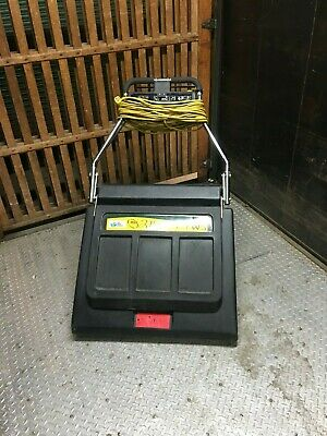 NSS Pacer 30 wide-area vacuum