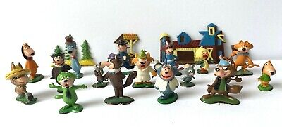 Lot of 21 Marx Tinykins Hanna-Barbera Miniature Figures Varied Hand Painted 1961