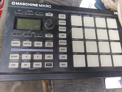 Native Instruments Maschine Mikro Black No Cord or Software lights up when plugd