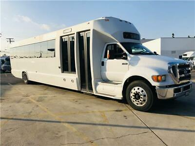 2011 Tiffany Coachworks Paratransit, 48 Passengers Executive