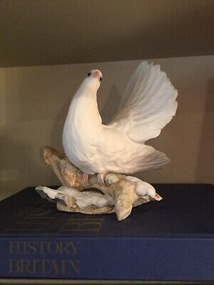 Boehm Dove (Fantailed) (20245) - Great Condition