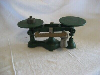 Vintage Scale 8 lb Max Weight No 4 Cast Iron Base Green