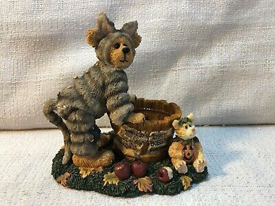 OLD ST FROSTNICK WITH WADDLES...CHRISTMAS TREAT BOYDS RESIN BEARSTONE