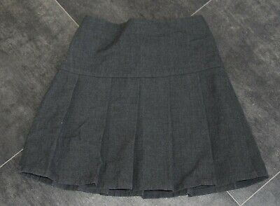 Fab Girls M&S Grey School Skirt Aged 6 Years - In Good Condition