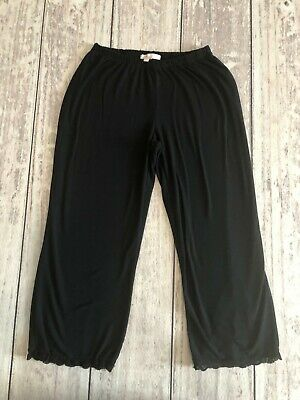 Lemon Tart Woman's Black Size Small Capri Pajama Bottoms Wc1143Pj