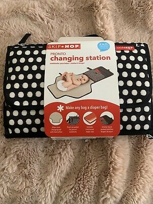 Skip Hop Pronto Changing Station 2 in 1 Diaper Cloth with Changing Pad