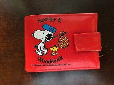 Vintage 1965 Peanuts Snoopy & Woodstock Wallet Red