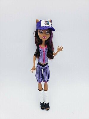 Monster High Clawdeen Wolf GHOUL SPORTS Baseball Doll with Hat