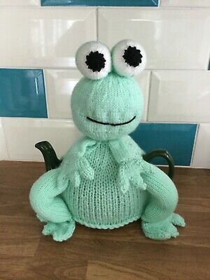 Hand knitted  'Frog ' tea cosy / cosie.Great  Gift
