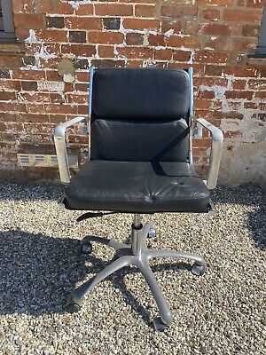 Original Charles Eames Green Office Chair, retro 1950's style