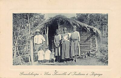 Guadeloupe - Une Famille Indienne à Papaye - Ed. inconnu